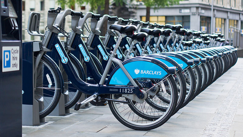 800px-barclays_cycle_hire_st-_mary_axe_aldgate