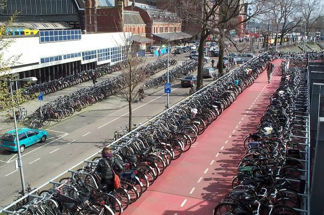 amsterdam-bikes-00001-662x0_q70_crop-scale
