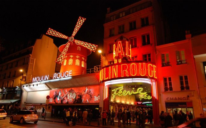 moulin-rouge-paris-night_106381-1440x900